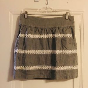 Banana Republic Gray and white summer skirt!